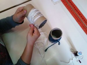 """""""Bobiner"""" ou """"Embobiner"""" au sens propre : enrouler un fil sur une bobine"""