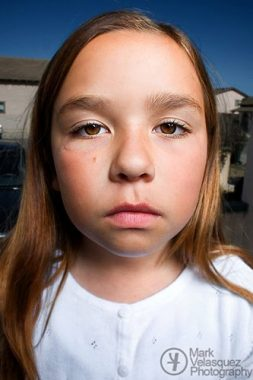 Une fillette maussade (© Mark Velasquez Photography)