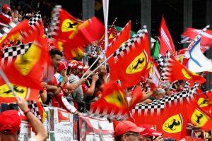 "Des supporters italiens de Ferrari ou ""Tifosi"""