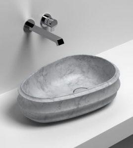 Une vasque ovoïde