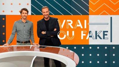 """L'émission """"Vrai ou fake"""", avec Julien Pain et Adrien Rohard, sur la chaîne de télévision publique française France Info"""