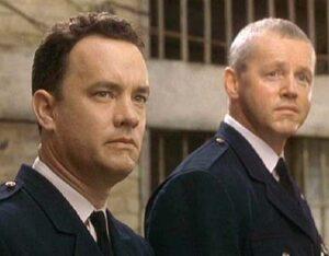 """Les acteurs états-unien Tom Hanks et David Morse, dans le film états-unien """"La ligne verte"""", de Frank Darabont (1999)"""