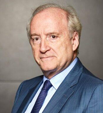 Le diplomate et homme politique français, socialiste, Hubert Védrine