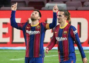Deux joueurs du FC Barcelone : l'argentin Lionel Messi et le français Antoine Griezmann