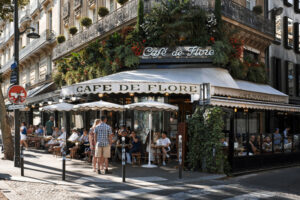 Le Café de Flore, boulevard Saint-Germain, à Paris (75)