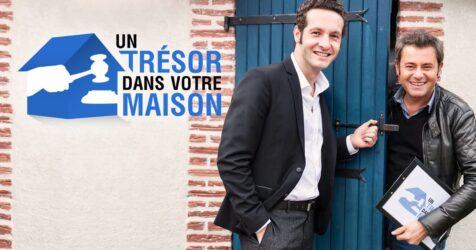 """Le commissaire-priseur Emmanuel Layan et l'animateur Jérôme Anthony, dans l'émission de télévision """"Un trésor dans votre maison"""", sur 6Ter"""