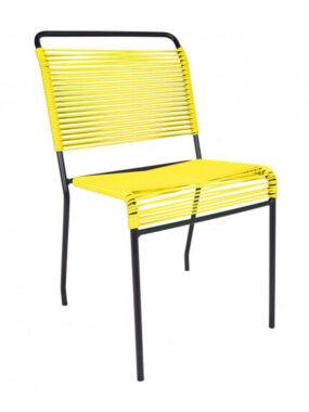 Une chaise scoubidou
