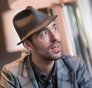 L'auteur-compositeur-interprète et guitariste anglais Charlie Winston