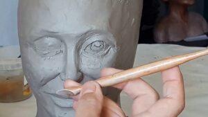 Modeler une statue