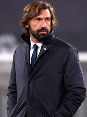 Le joueur de football international italien Andrea Pirlo, reconverti entraîneur