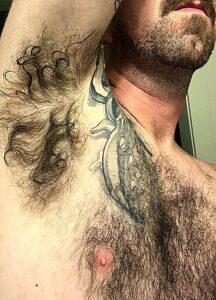 """""""Être coiffé comme un dessous-de-bras"""""""