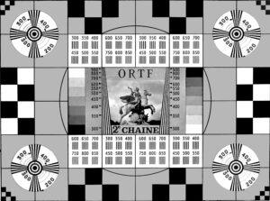 """La mire """"Cheval de Marly"""" de la deuxième chaîne de l'ORTF (Office de Radiodiffusion-Télévision Française) en 1964"""