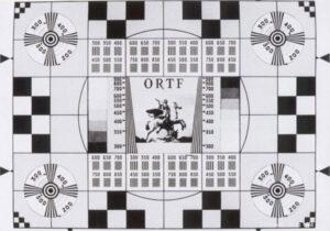 """La mire """"Cheval de Marly"""" de l'ORTF (Office de Radiodiffusion-Télévision Française) en 1964"""
