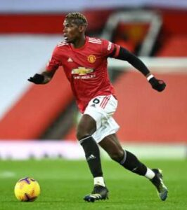 Le joueur de football international français Paul Pogba, sous le maillot de Manchester United
