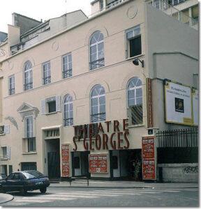 """La façade du Théâtre Saint-Georges, 51 rue Saint-Georges, à Paris, dans le 9e arrondissement, peinte en trompe-l'oeil par Dominique Antony. Le réalisateur François Truffaut y avait tourné, en 1980, son film """"Le dernier métro"""""""