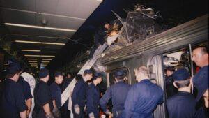 L'accident de la Gare de Lyon, à Paris (75), le 26 juin 1988, fait 56 morts et constitue la plus grande catastrophe ferroviaire d'Ile-de-France