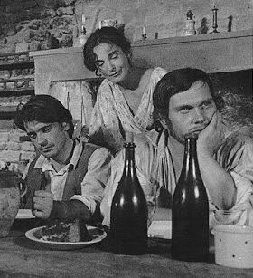"""Les acteurs français Sylvain Joubert et Claude Brosset, dans le feuilleton """"Ardéchois coeur fidèle"""", en 1974"""