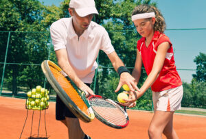 Un cours de tennis