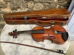 """Un crincrin ou """"mauvais violon"""""""