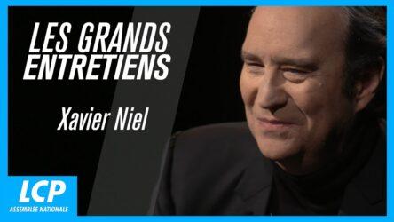 """Le chef d'entreprise français Xavier Niel, invité de l'émission de Guy Lagache """"Les grands entretiens"""", sur la chaîne de télévision publique LCP-AN, le 17 mai 2020"""