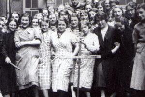 Des ouvrières en grève, en 1936