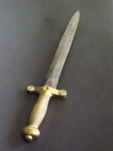 Un sabre coupe-chou français