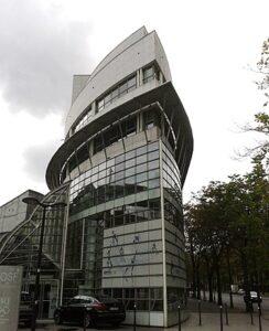 Le siège du CNOSF (Comité National Olympique et Sportif Français), porte de Gentilly à Paris (75), le long du stade Charléty.