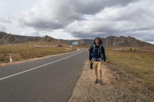 """Un jeune homme parti """"voir du pays"""", c'est à dire, voyager, parcourir le monde"""