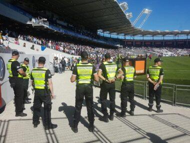 Agents de sécurité dans un stade