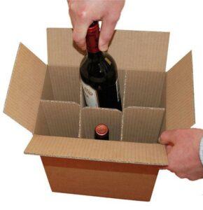 Un carton de bouteilles de vin